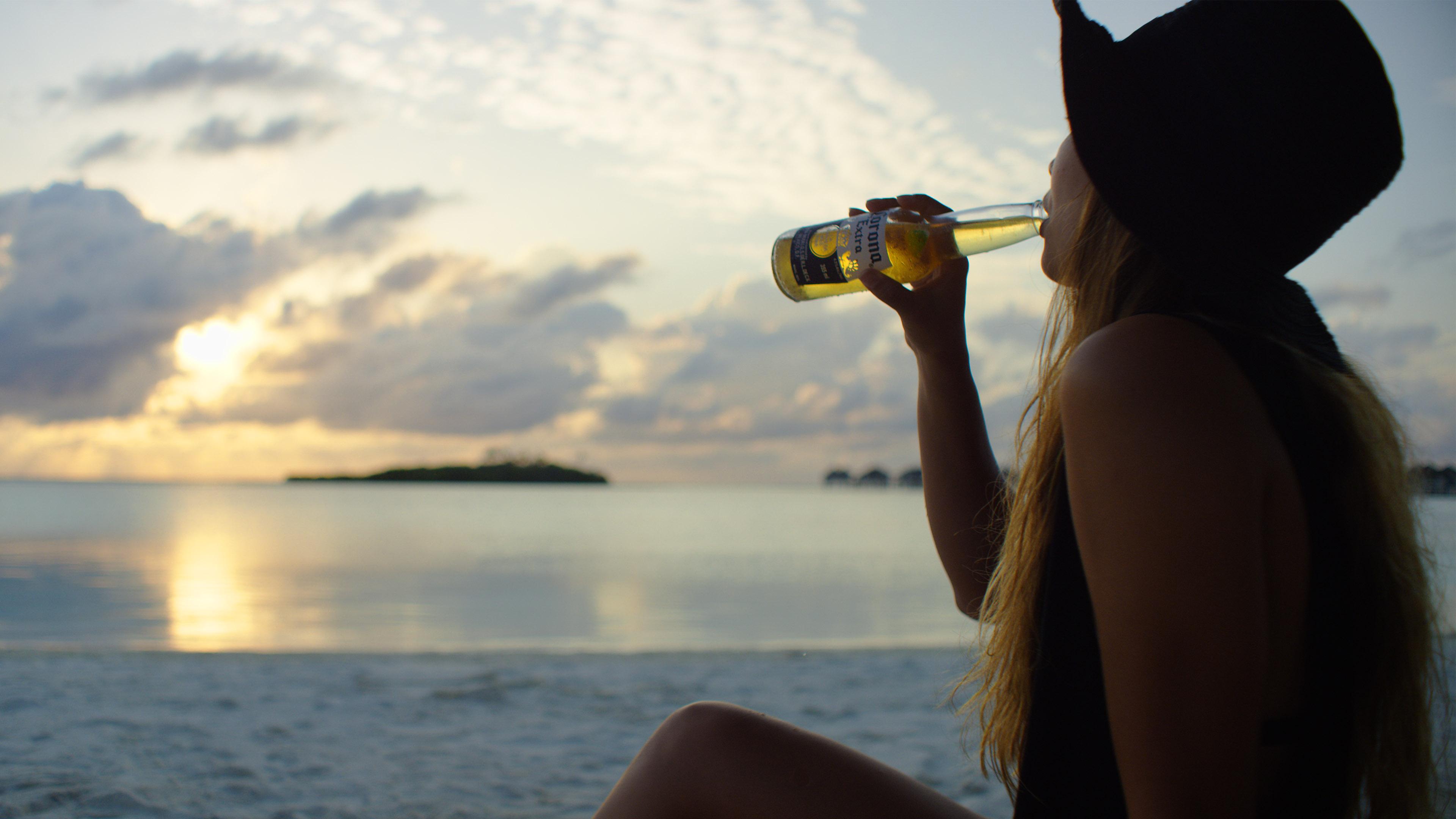Corona Maldive 4K_Model_Red Dragon_Cinematography
